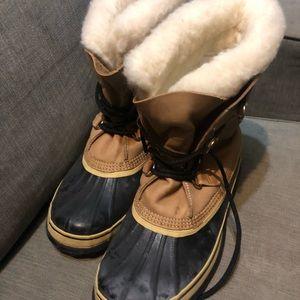 Canadian snow boots! Men's 12
